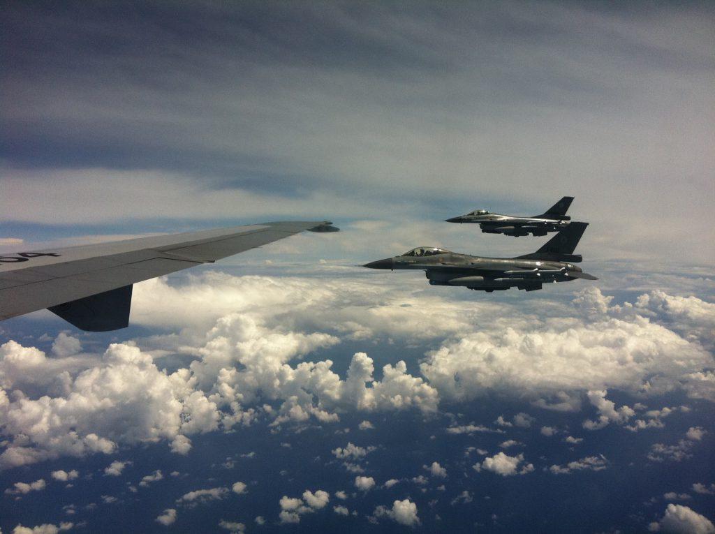 Bijtanken F16 boven Libie